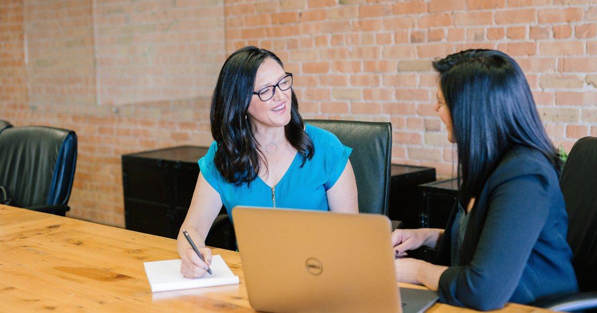 Financial Advisor's Job Description and Salary, is it Worth it?